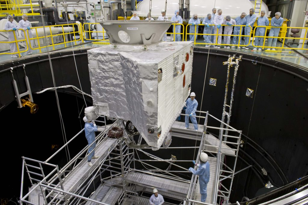 Photo : Moving BepiColombo - © ESA–A. Le'Floch